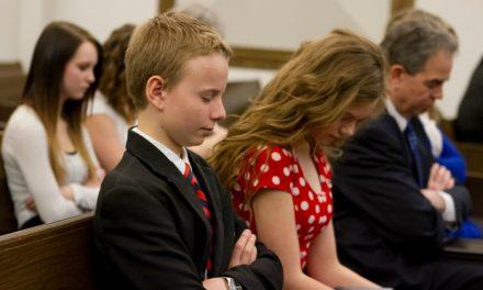 Rukous, johon vastattiin istuessani kirkossa presidentti Nelsonia vastapäätä