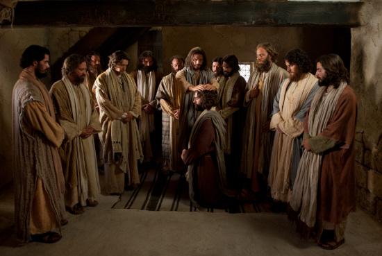 Jeesus kutsui ja antoi valtuuden kaikille apostoleilleen toimia Hänen kirkkonsa johtajina maan päällä