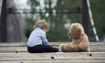 Viattomien lasten kasvattaminen myrkyllisessä maailmassa