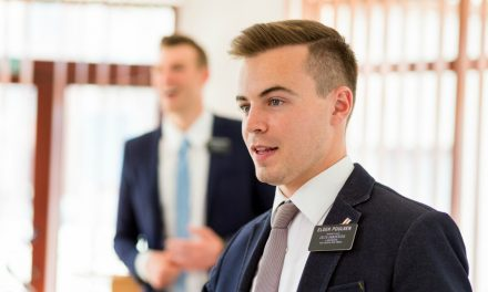 8 asiaa, jotka mormonilähetyssaarnaajat kertoisivat sinulle, jos päästäisit heidät sisälle