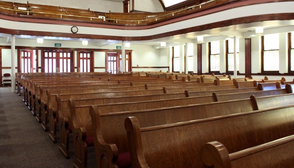 Mikä saa 22-vuotiaan opiskelijan käymään kirkossa joka sunnuntai?