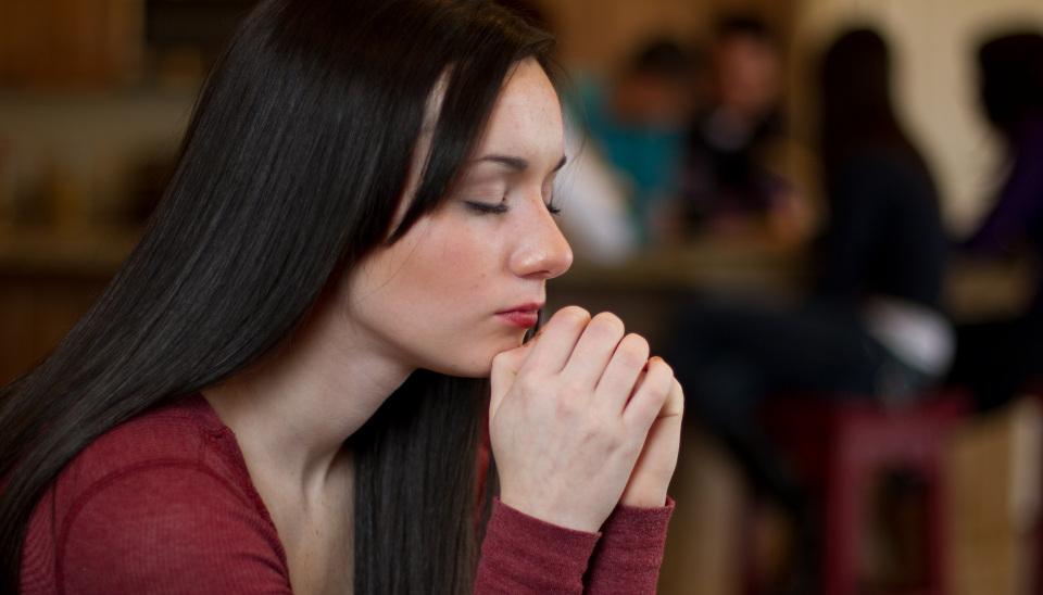 Rukous: näin rukoilet ja saat vastauksia Jumalalta