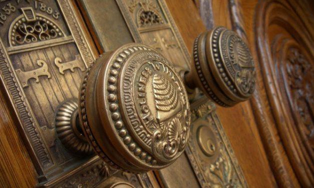 Mitä mormonit tekevät temppeleidensä eri huoneissa?
