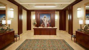 Mormonitemppelin aula, jossa kuva Jeesuksesta Kristuksesta.