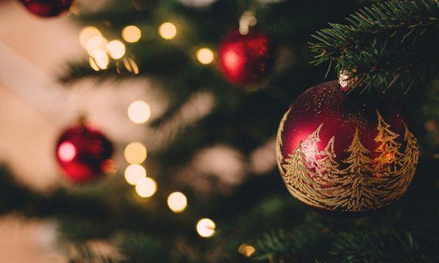 Joulusaunoja, kuusipuita, kynttilöitä — ja Vapahtaja