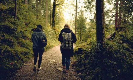 Lukijat kertovat: kuinka auttaa ystävää, jolla on vaikeaa?