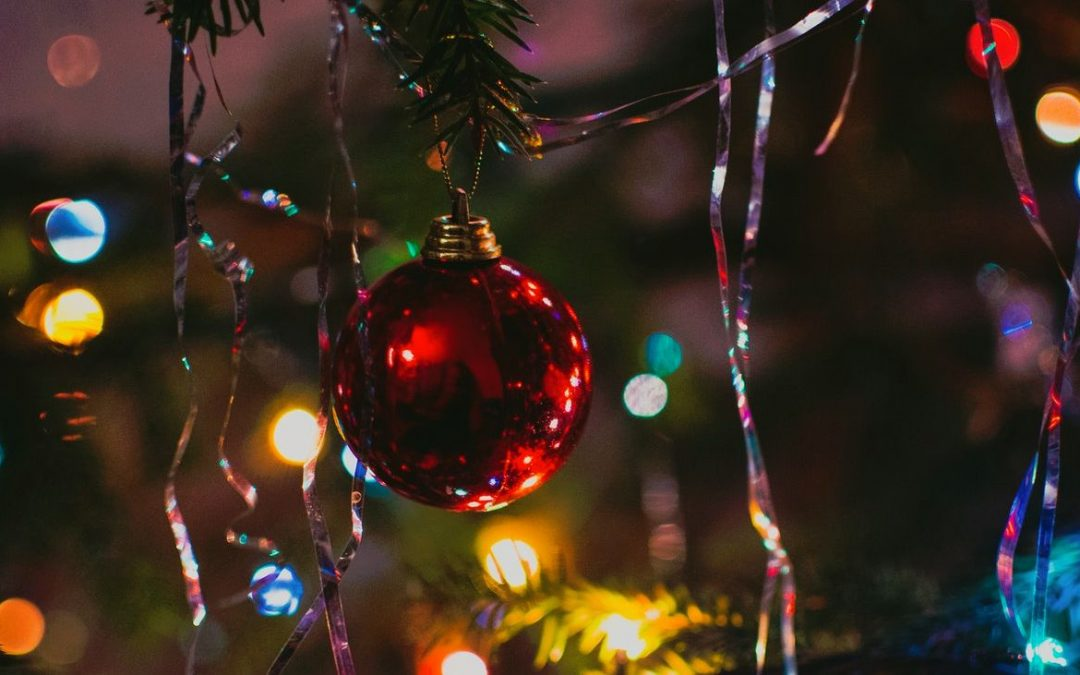 Jouluaiheinen kokoelma-artikkeli